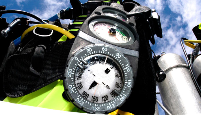 Features-to-look-for-in-a-scuba-gauge