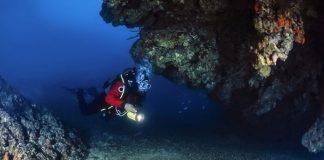 The-Best-Underwater-Dive-Lights